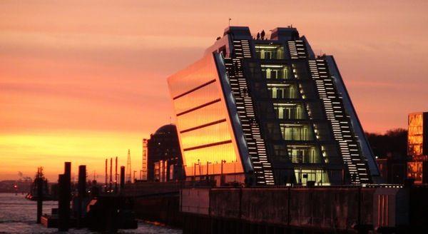 Paseo por el puerto de Hamburgo